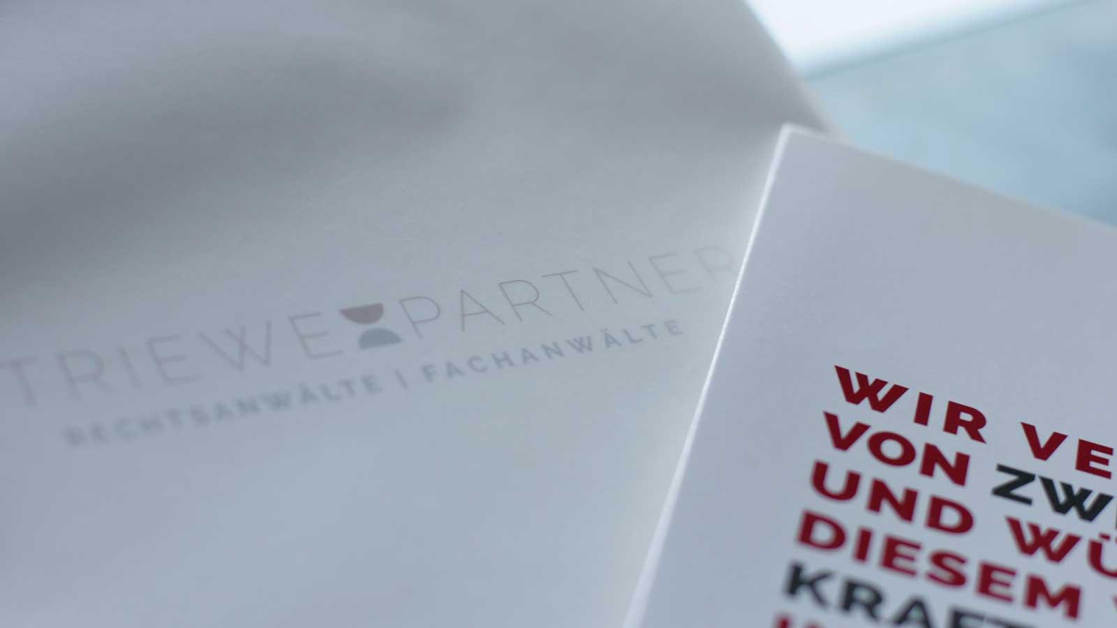kathrin, krasselt, mediendesign, grafik, grafiker, leipzig, werbung, webdesign, logo, corporate, design, striewe, rechtsanwalt